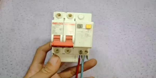 """电工知识:漏保上的这个""""救命设计"""",干电工的都知道,没几个告诉业主的"""